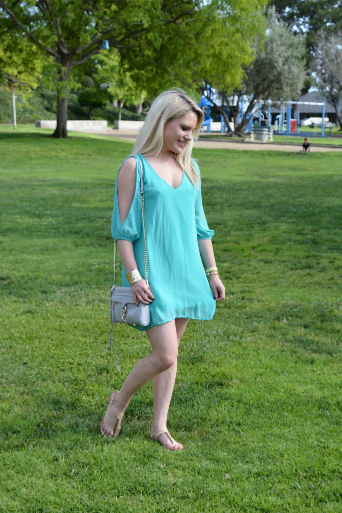 fashion blogger, girl walking in a park