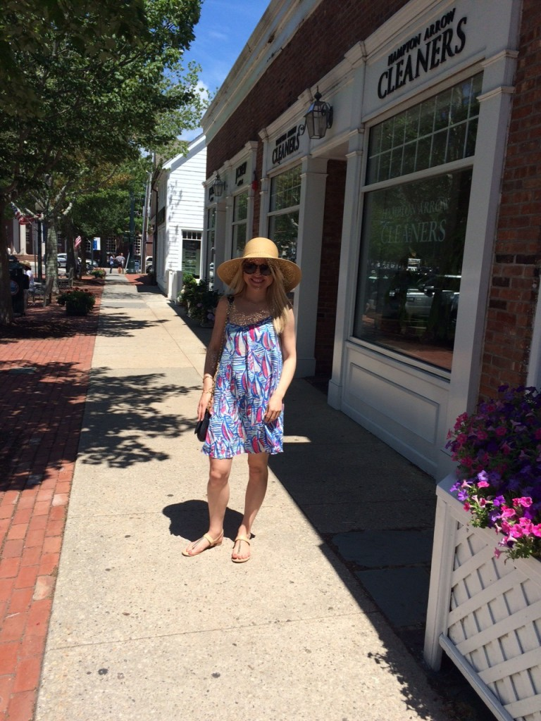girl on Main Street in Southampton, Caitlin Hartley of Styled American