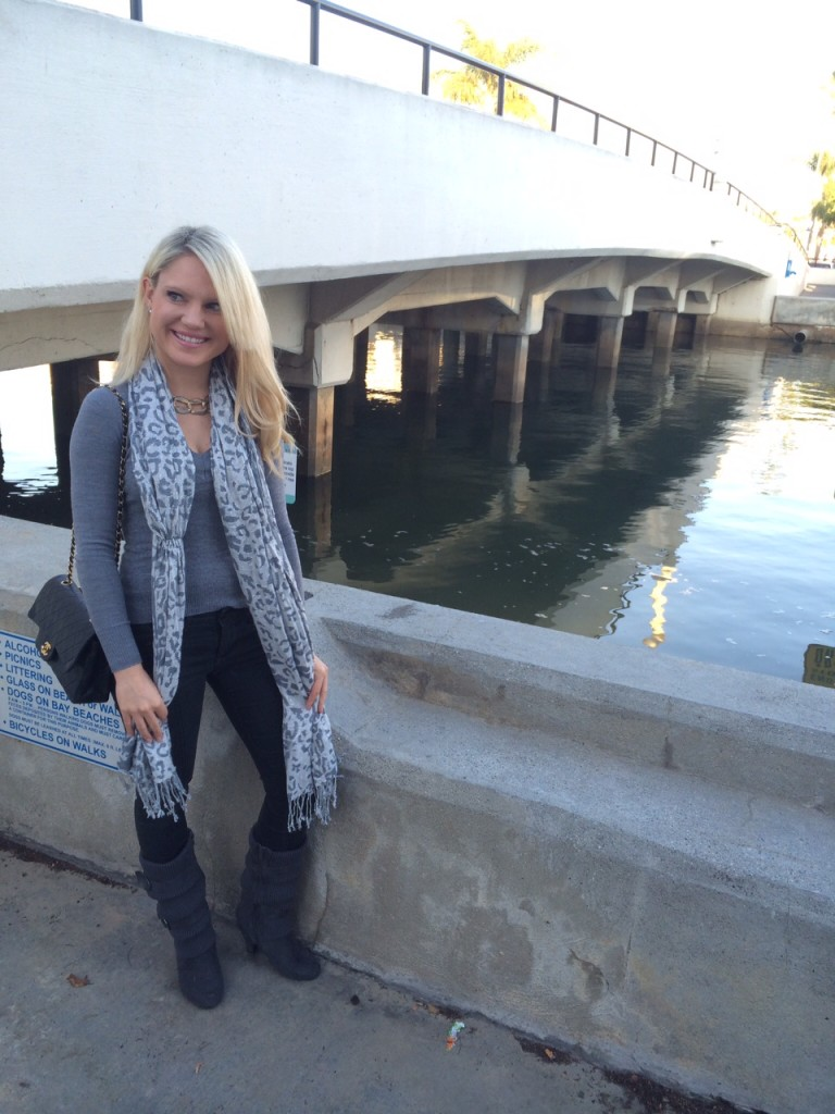 girl at bridge from Balboa Island to Little Balboa Island Caitlin Hartley of Styled American