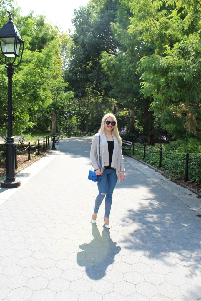 girl walking in NYC park in Fall attire Caitlin Hartley of Styled American http://styledamerican.com/walk-in-the-park-2/