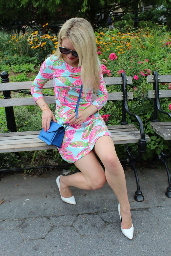 girl in Lilly Pultzer long sleeve dress Caitlin Hartley of Styled American http://styledamerican.com/floral-work-dress/