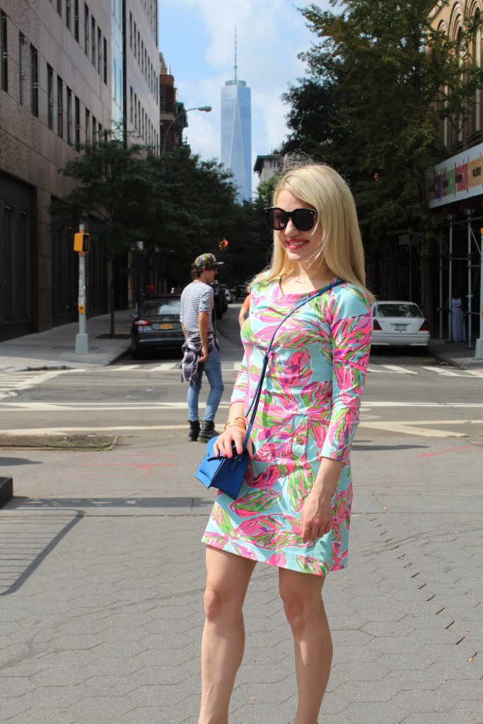 girl in floral dress in NYC Caitlin Hartley of Styled American http://styledamerican.com/floral-work-dress/
