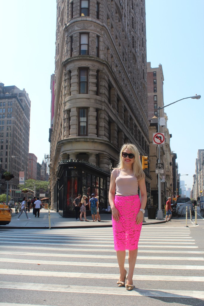 Caitlin Hartley of Styled American trina turk pink lace skirt on girl in New York City