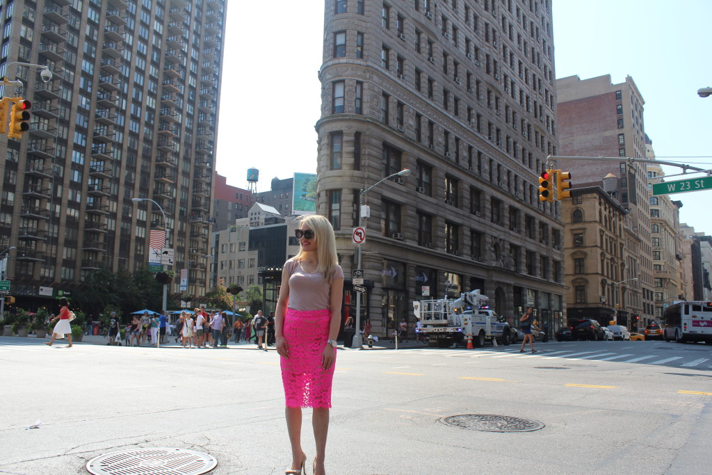 Caitlin Hartley of Styled American lace pink skirt