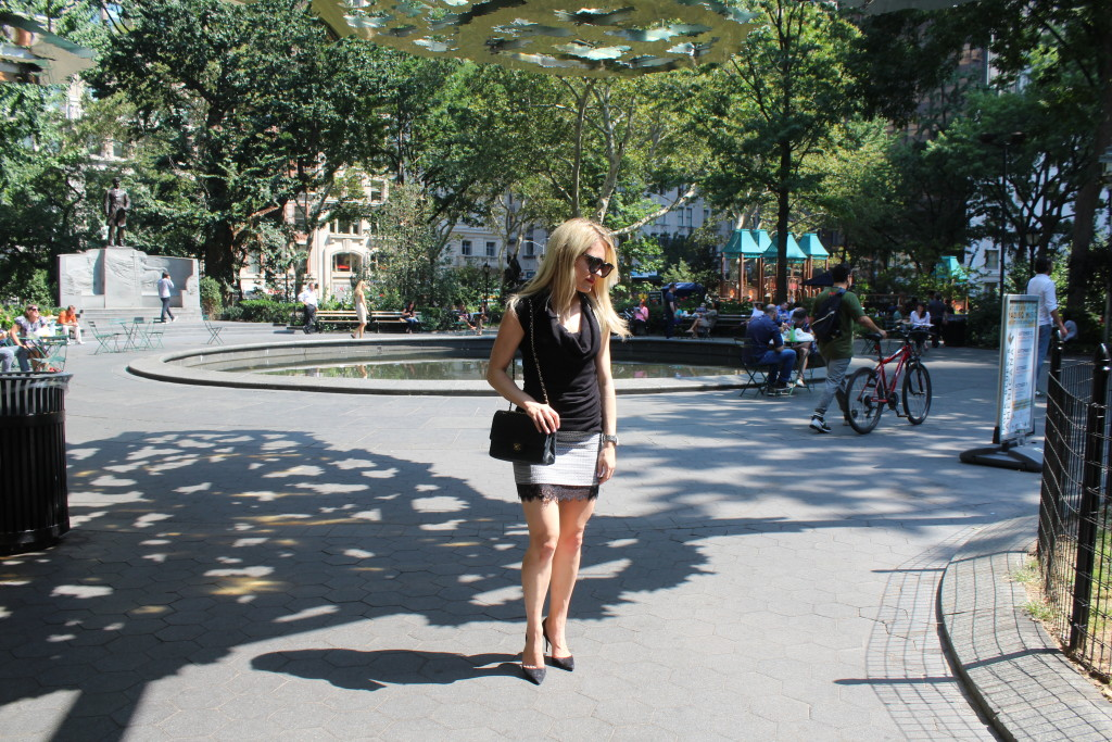 Caitlin Hartley of Styled American, girl in Madison Square Park