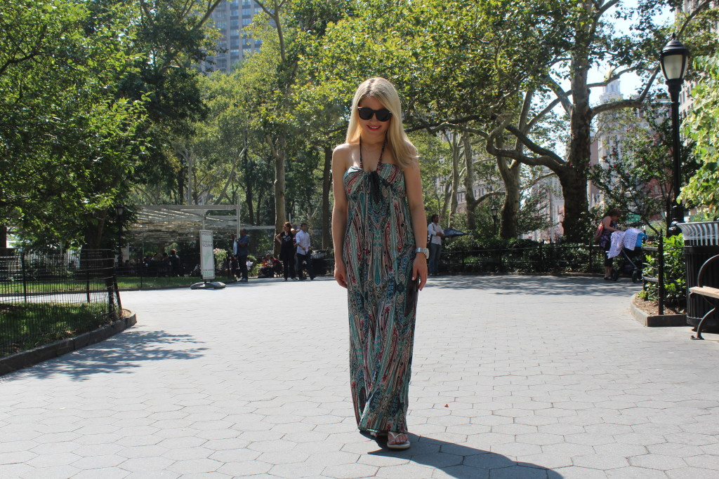 Caitlin Hartley of Styled American resort maxi dress