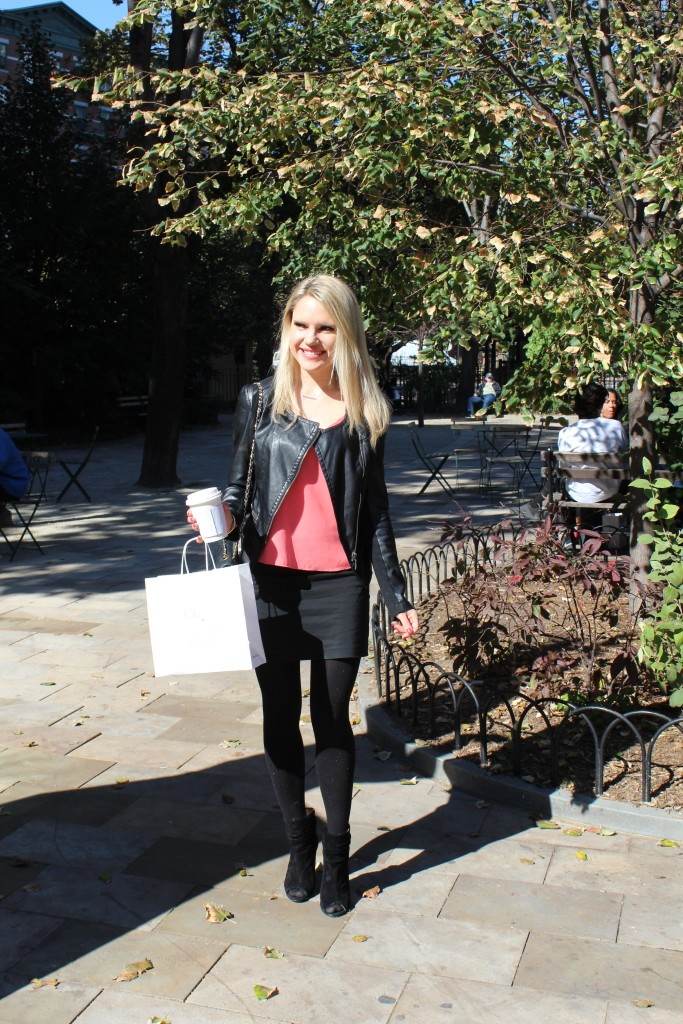Caitlin Hartley of Styled American all black outfit with a pop of color