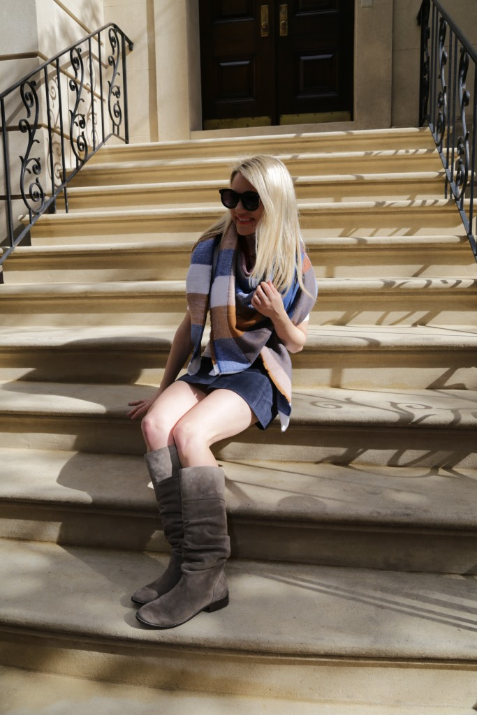 Caitlin Hartley of Styled American, suede boots, blue mini skirt and blanket scarf
