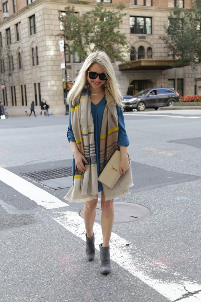 Caitlin Hartley of Styled American multi-color scarf, teal dress