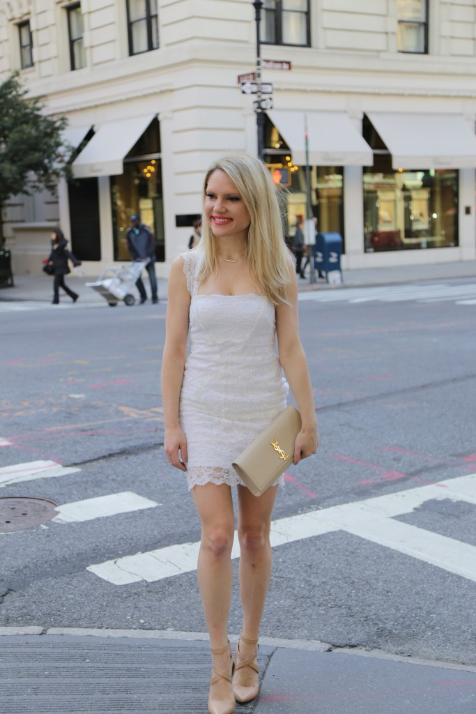 Caitlin Hartley of Styled American girl on Madison Avenue in NYC