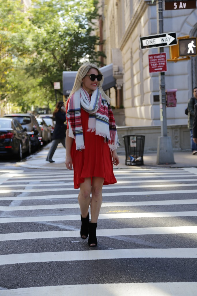 Caitlin Hartley of Styled American fashion blogger on 5th avenue
