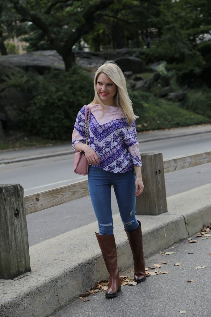 Caitlin Hartley of Styled American stretch ripped denim, print top