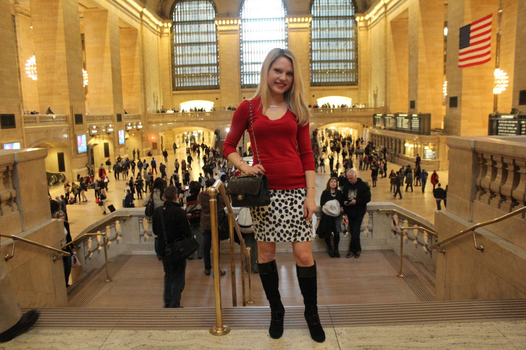 Caitlin Hartley of Styled American fashion blogger in grand central