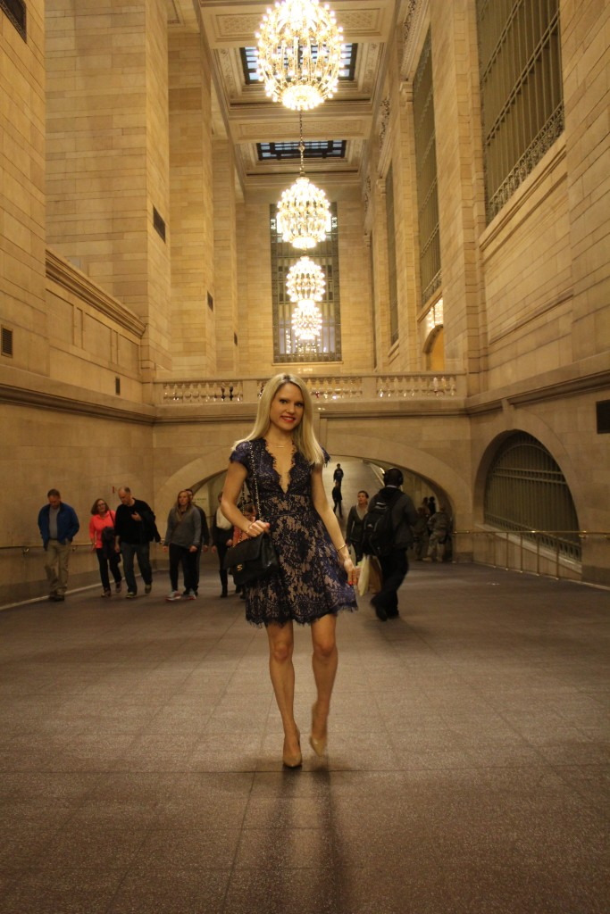 Caitlin Hartley of Styled American girl in a dress in grand central nyc
