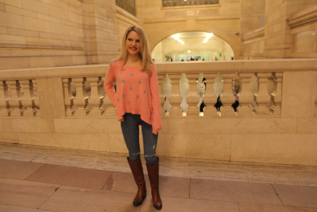 Caitlin Hartley of Styled American victoria's secret sweater
