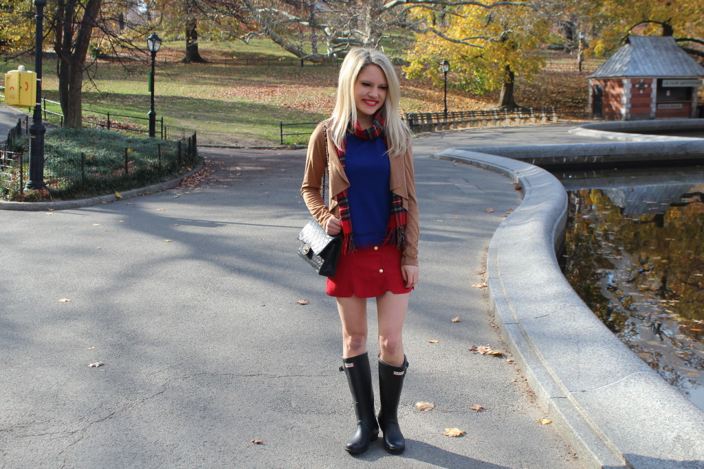Caitlin Hartley of Styled American red and blue outfit ideas