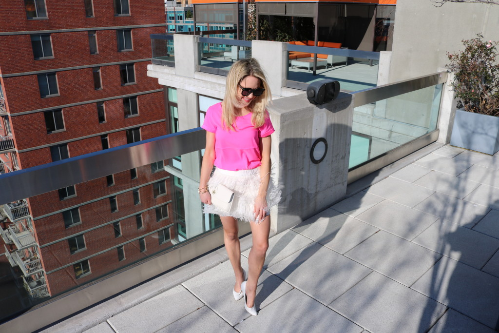 Caitlin Hartley of Styled American girl in nyc rooftop