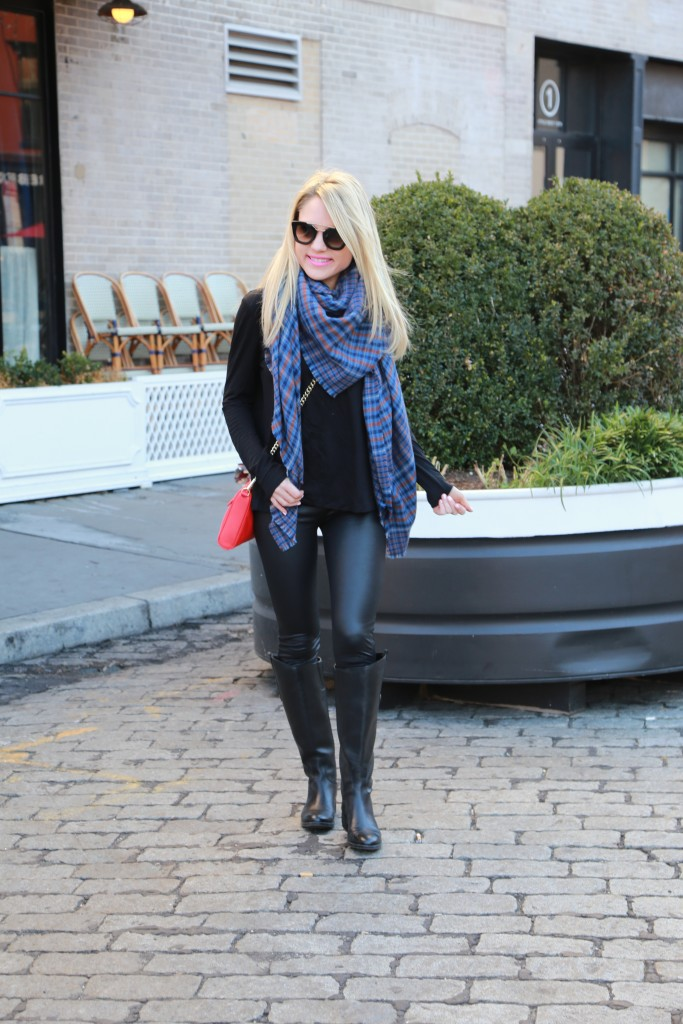 Caitlin Hartley of Styled American girl in prada sunglasses from DITTO rent with promo code STYLEDAMERICAN