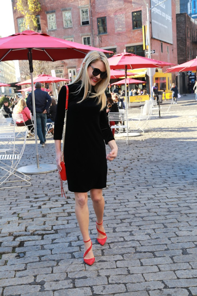 Caitlin Hartley of Styled American meatpacking district cobblestone streets