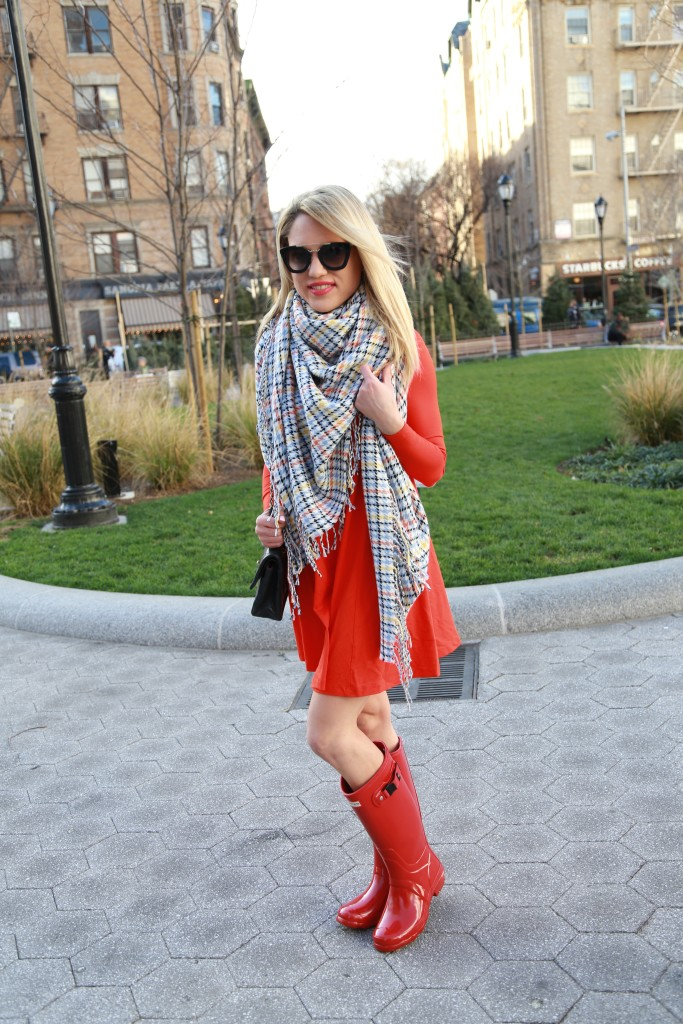 Caitlin Hartley of Styled American red winter style