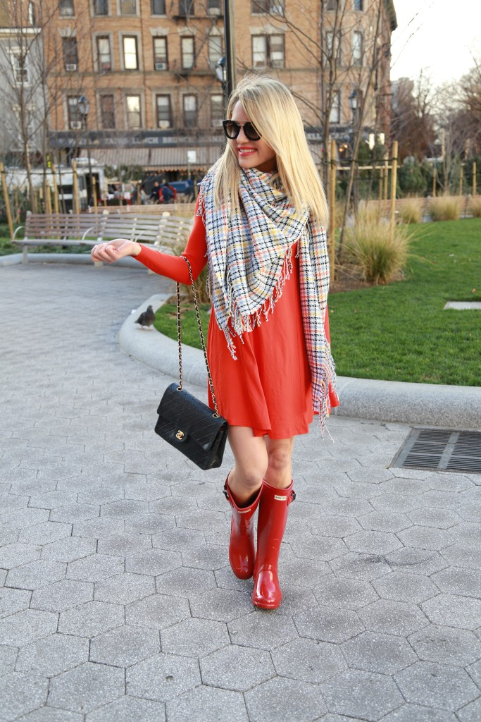 Caitlin Hartley of Styled American red swing dress and blanket scarf