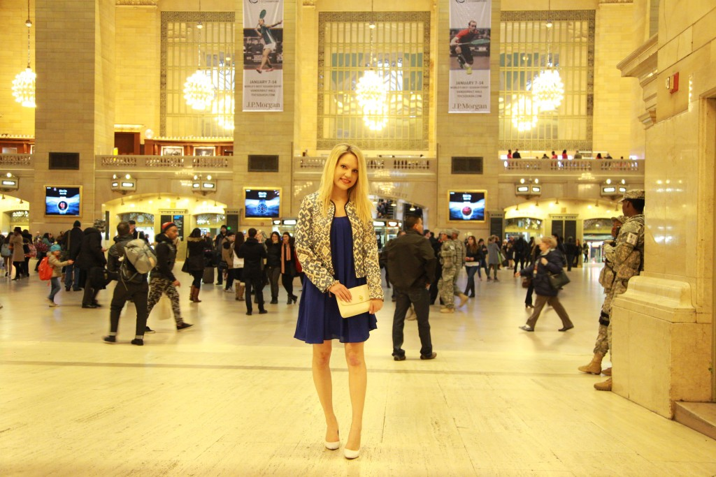 Caitlin Hartley of Styled American fashion blogger in grand central terminal