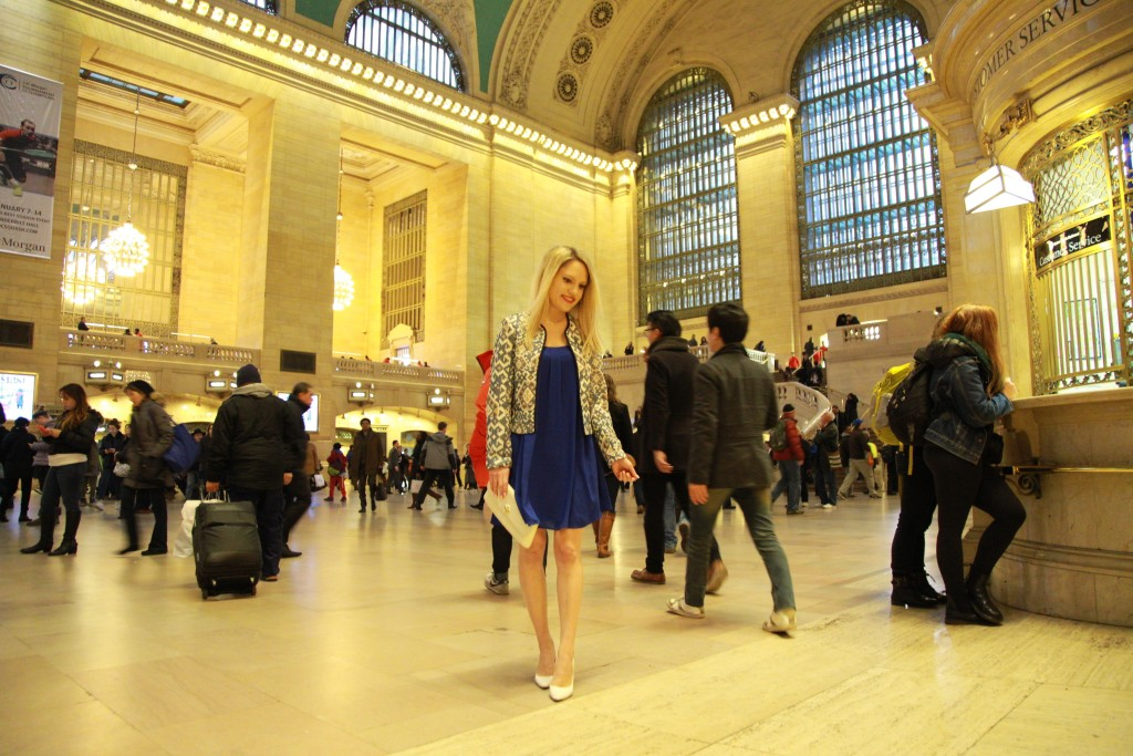Caitlin Hartley of Styled American style blogger in grand central