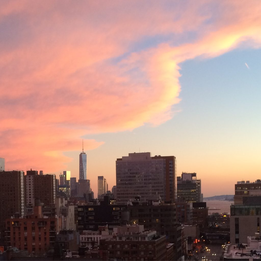 Caitlin Hartley of Styled American pink sunset over nyc