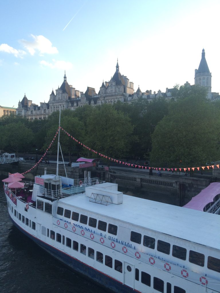 Caitlin-of-Styled-American-benefit-boat-on-london-river