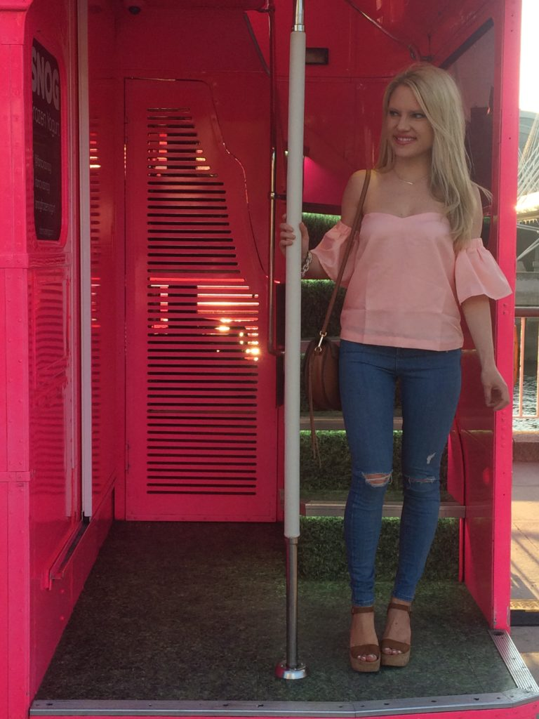 Caitlin-of-Styled-American-london-travel-style