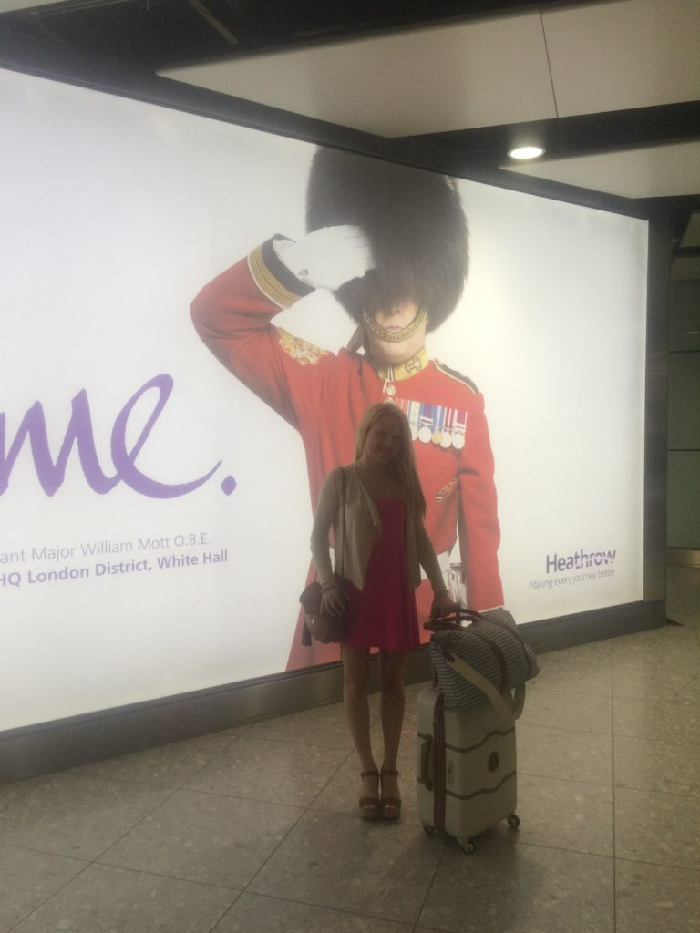 Caitlin-of-Styled-American-travel-style-in-london-airport