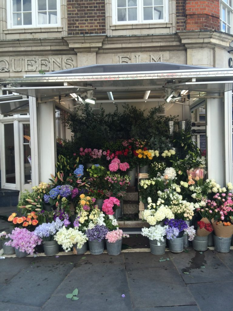 Caitlin-of-Styled-American-london-flower-stand