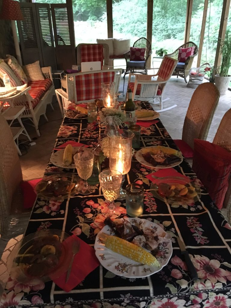 Caitlin-Hartley-of-Styled-American-summer-dinner-tablescape