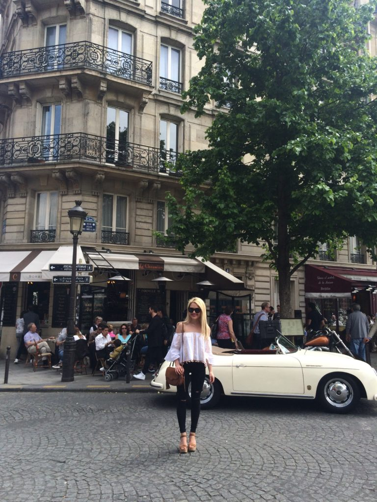 girl-in-paris-in-front-of-vintage-car