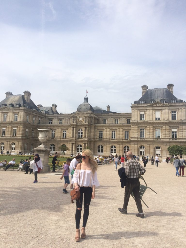 girl-in-front-of-Luxembourg-Palace