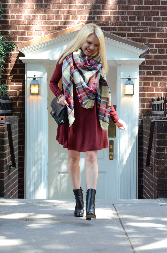 how-to-wear-a-blanket-scarf http://styledamerican.com/fall-uniform/