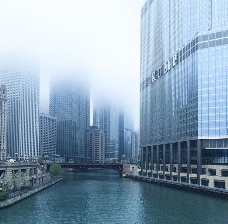 foggy-chicago-river-trump-tower