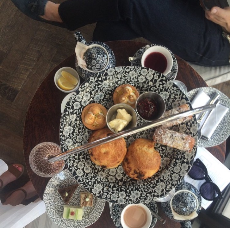 afternoon-tea-at-allis-chicago-soho-house