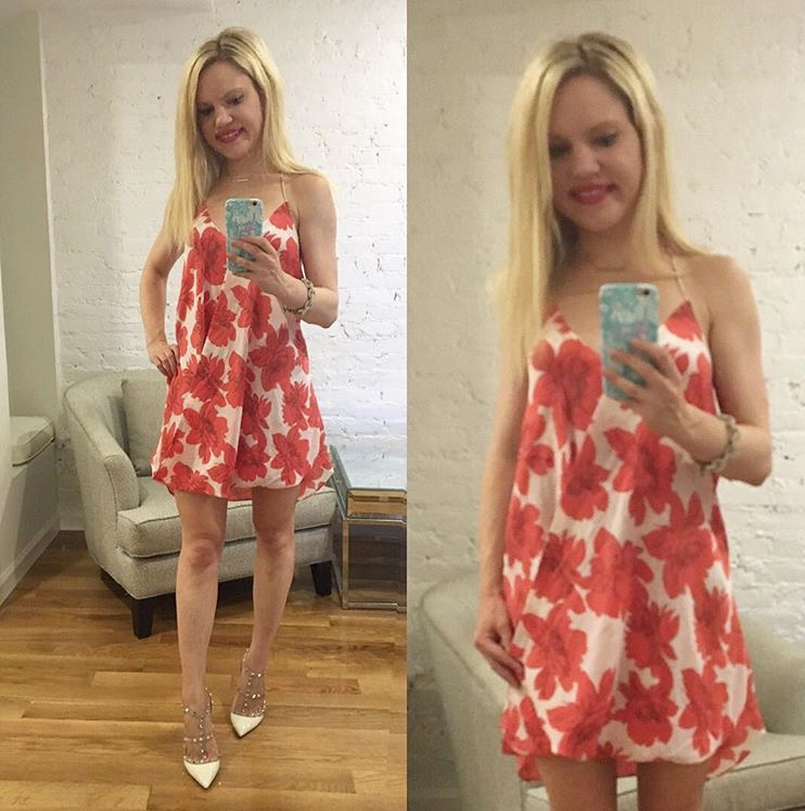 red-floral-dress-white-valentino-pumps-selfie