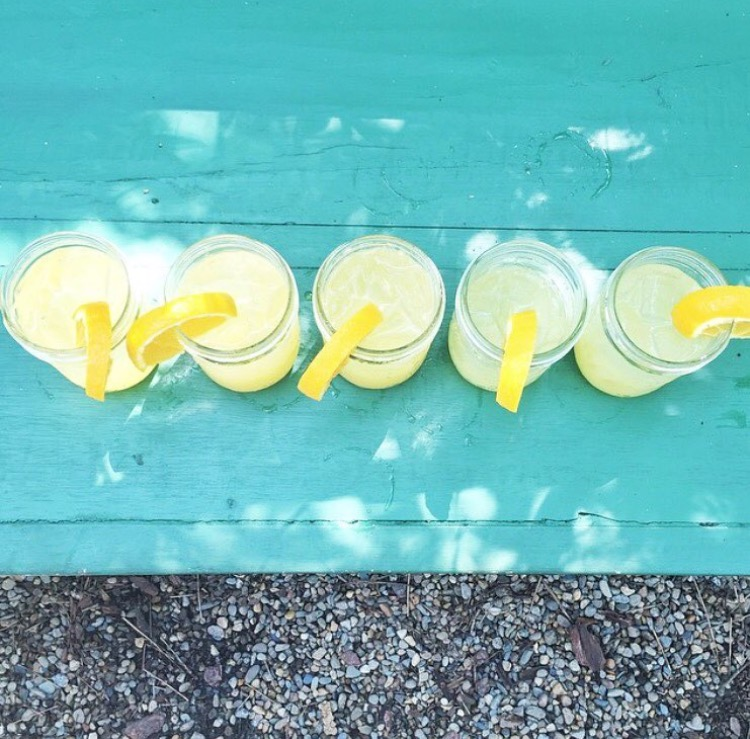 styled-american-caitlin-hartley-summer-lemon-cocktails