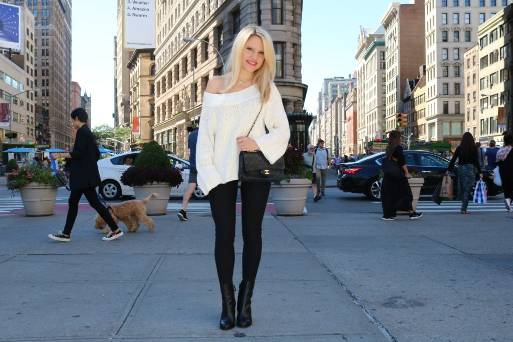 cozy-winter-fashion http://styledamerican.com/where-to-go-december-in-nyc/