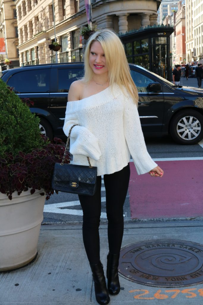 winter-style-oversized-sweaters http://styledamerican.com/where-to-go-december-in-nyc/