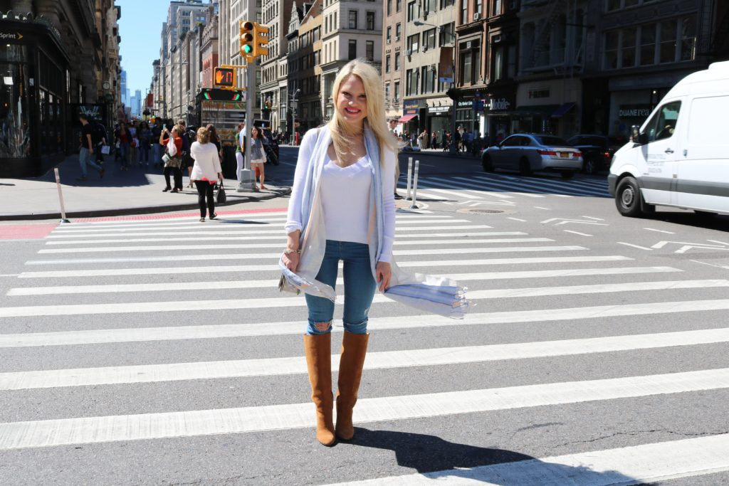 light-weight-fall-outfit http://styledamerican.com/blue-x-neutrals/