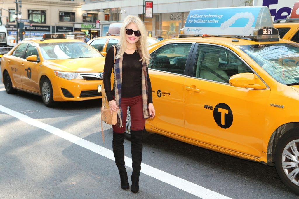 burgundy-fall-outfit http://styledamerican.com/burgundy-leggings/