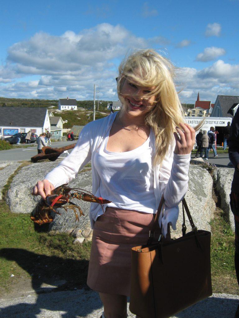 holding-a-live-lobster-peggy's-cove http://styledamerican.com/nova-scotia/