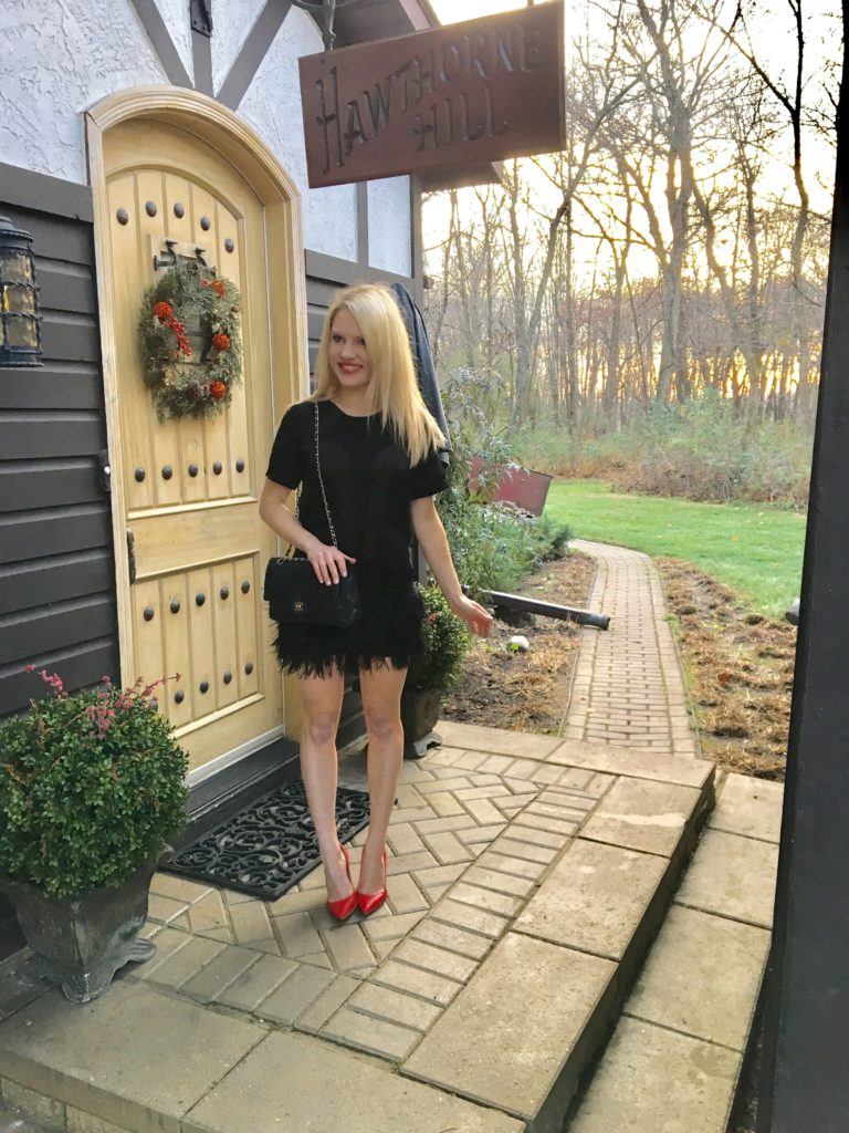 black-christmas-dress-with-red-pumps http://styledamerican.com/cocktail-dress-with-feather-hem/