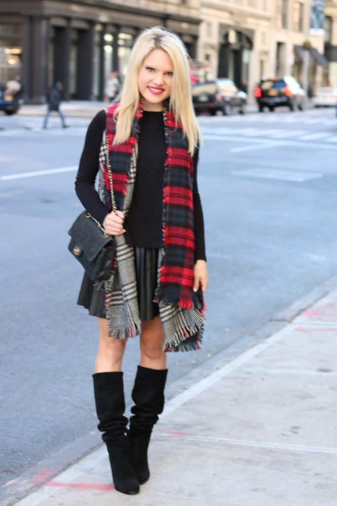 NYC-fashion-blogger-winter-style http://styledamerican.com/reversible-scarf/