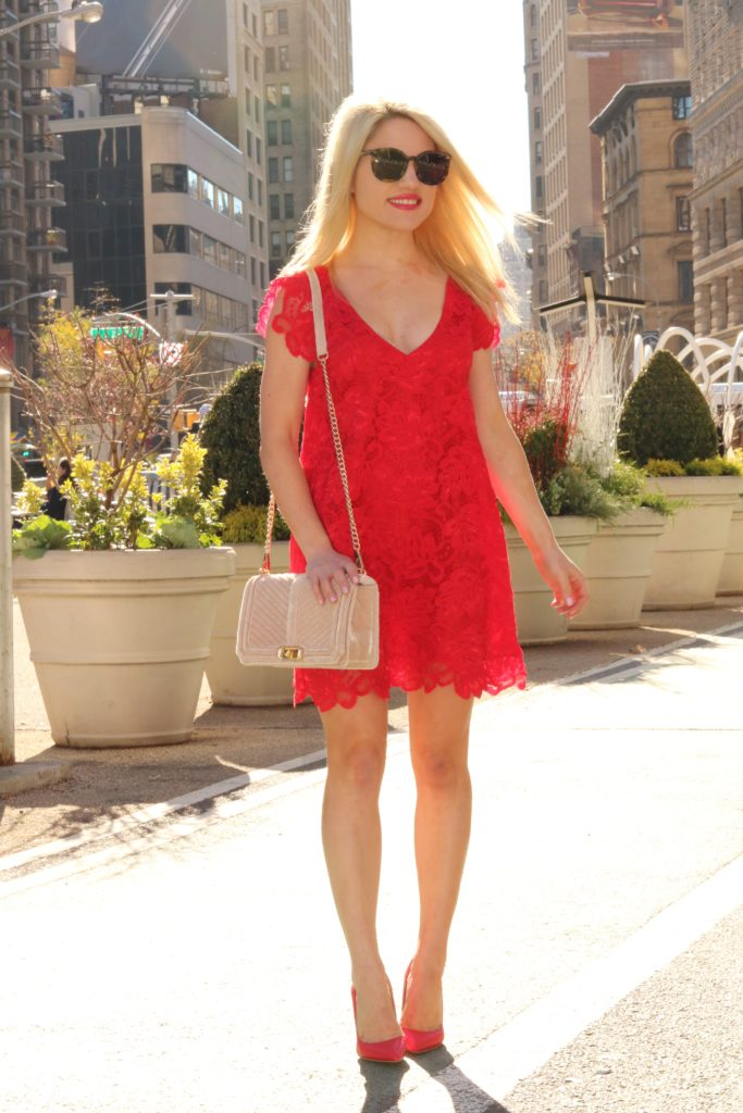 red-lace-dresses-red-pumps http://styledamerican.com/merry-dress-mas/