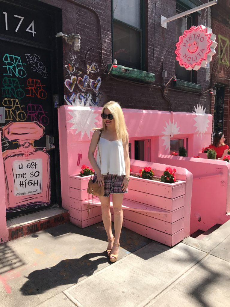 casual-brunch-outfit http://styledamerican.com/leave-it-to-me-to-find-the-pinkest-restaurant-in-nyc/