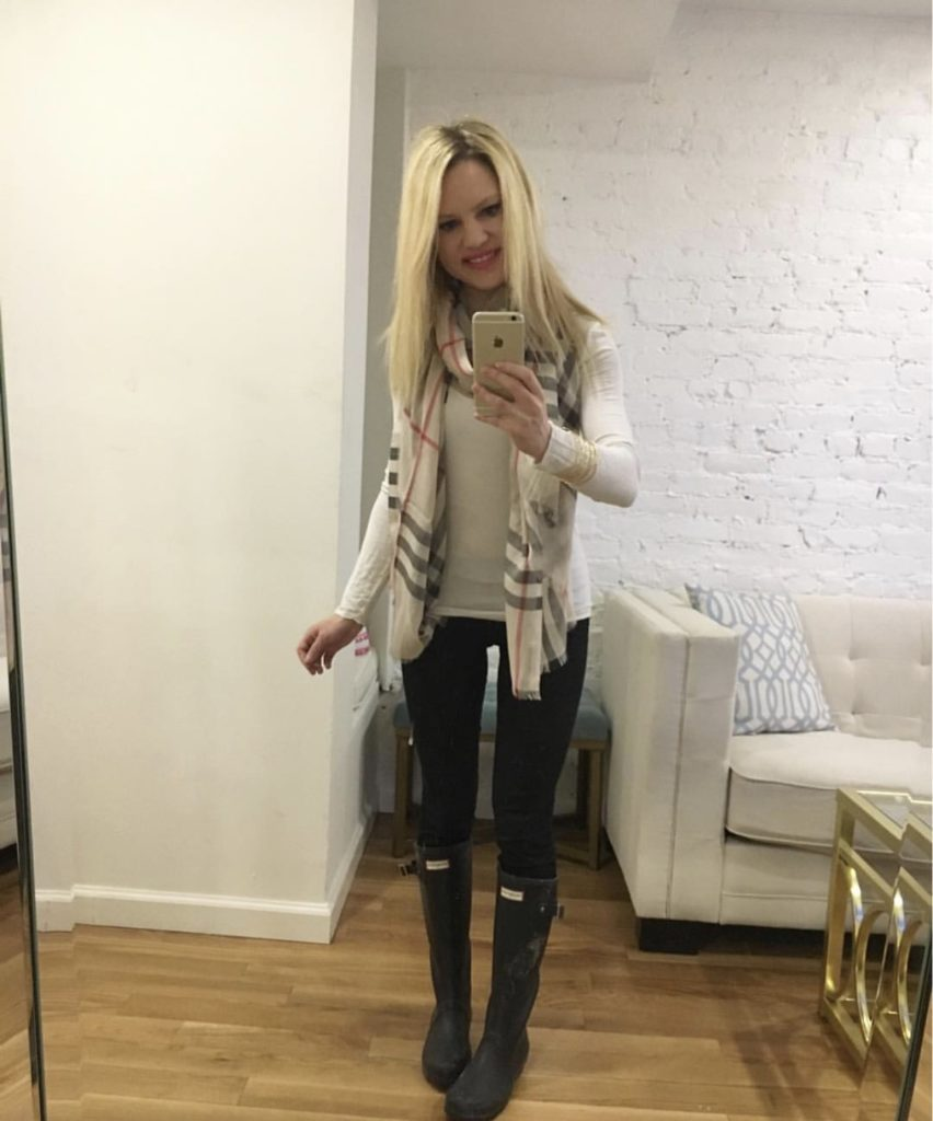 burberry scarf, hunter boots selfie http://styledamerican.com/styled-american-edits/